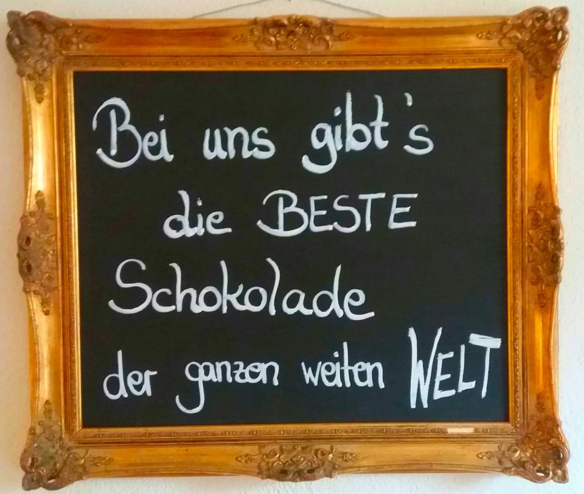 bei_uns_gibts_die_beste_schokolade_tafel.jpg